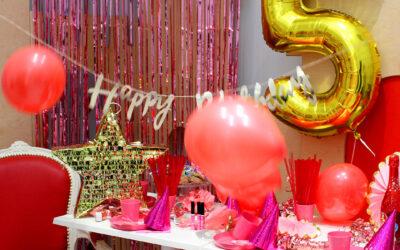 Organizacja przyjęcia urodzinowego w domu, a dekoracje urodzinowe dla dzieci